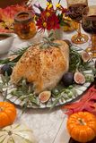 Грудь Турции среднеземноморского стиля вся зажаренная в духовке Стоковое Изображение RF