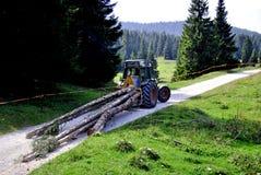 гружёный трактор стоковое фото rf