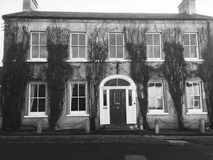 Грузинский дом черно-белый Стоковые Фотографии RF