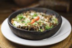 Грузинское блюдо с мясом и грибами Стоковая Фотография RF