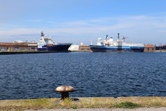 Грузовие корабли в гавани Дюнкерка Стоковое фото RF