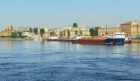 Грузовие корабли круиза и моря стоковые изображения rf