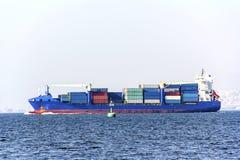 Грузовой корабль контейнера на море Стоковое Фото