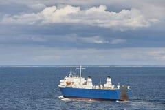 Грузовой корабль на Балтийском море Аландские острова Финляндия Стоковое Изображение