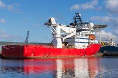 Грузовой корабль в доках Эдинбурга Стоковые Изображения RF
