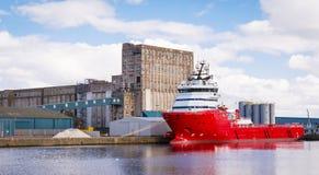 Грузовой корабль в доках Эдинбурга Стоковые Фотографии RF