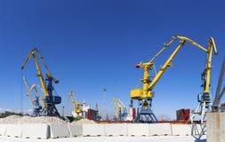 Грузовой корабль в порте Стоковое фото RF