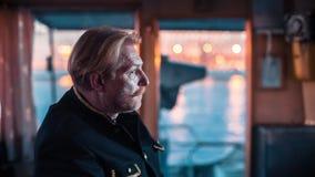 Грузовой корабль на навигации реки сток-видео