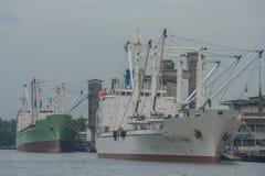 Грузовой корабль на реке Стоковые Изображения RF