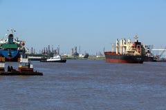 Грузовой корабль & шлюпка гужа стоковая фотография rf