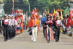 Группа военного оркестра идя гордо Стоковое фото RF