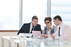 Группа в составе бизнесмены на встрече Стоковая Фотография RF