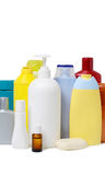 Группа в составе бутылки заботы шампуня или тела изолированные на белизне Продукты гигиены ассортимента Стоковые Изображения