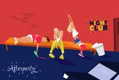 Группа в составе вымотанное молодые люди, девушка и 2 мальчика усаживают около ночного клуба, чувствуя утомляны, сонного Afterpar Стоковые Фотографии RF
