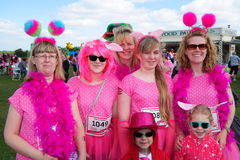 Группа в составе женщины на событии гонки на всю жизнь Стоковое фото RF