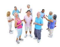 Группа в составе здоровые люди в фитнесе Стоковые Фото