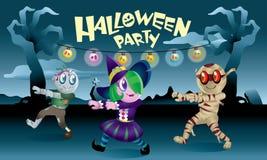 Группа в составе изверги играя совместно в ноче хеллоуина Стоковая Фотография