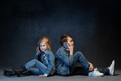 Группа в составе концепция студии детей Стоковая Фотография