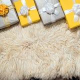 Группа в составе коробка рождества желтая и серая подарков Стоковое Изображение RF