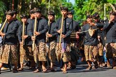 Группа в составе красивые балийские люди в традиционных костюмах Стоковая Фотография RF