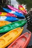 Группа в составе красочная стеклоткань сплавляться на воде стоковые изображения rf
