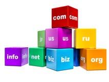 Группа в составе кубы цвета с доменными именами изолированные на белизне Стоковое Изображение