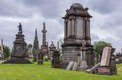 Группа в составе мемориальные памятники на некрополе Глазго, Шотландии Великобритании стоковое фото