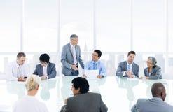 Группа в составе многонациональная встреча персоны дела Стоковая Фотография