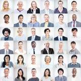 Группа в составе многонациональные разнообразные бизнесмены