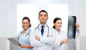 Группа в составе доктора на больнице Стоковая Фотография RF