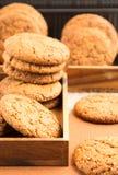 Группа в составе печенья овсяной каши в 2 деревянных коробках Стоковые Фотографии RF