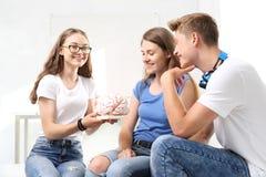 Группа в составе подруги по школе Стоковое фото RF