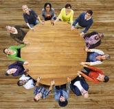 Группа в составе разнообразия сыгранности бизнесмены концепции поддержки Стоковое Изображение RF