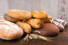 Группа в составе различные хлебы в куче Стоковое Фото