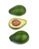 Группа в составе 3 свежих авокадоа, изолированная на белой предпосылке органические овощи Целительный образ жизни Стоковые Изображения
