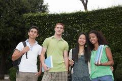 Группа в составе студенты стоковые фото