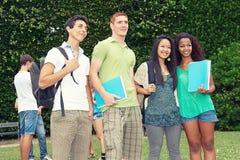 Группа в составе студенты стоковое изображение rf