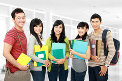 Группа в составе студенты стоковые изображения rf