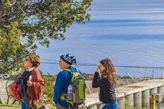 Группа в составе турист в центре Bariloche, Аргентине Стоковые Фото