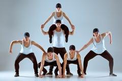Группа в составе люди и женщины танцуя тазобедренная хореография хмеля Стоковое Изображение