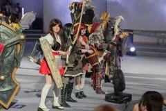 Группа в составе cosplayers представляет во время cosplay состязания на Animefest Стоковые Изображения RF