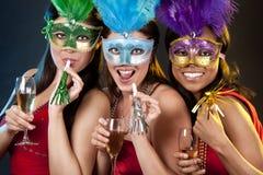 Группа в составе partying женщин Стоковое Фото