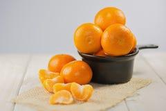 Группа в составе tangerines на деревянном столе Стоковые Фото