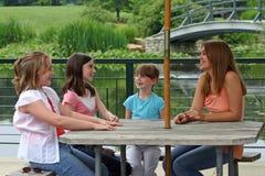 группа девушок стоковое изображение rf