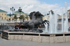 Группа лошади в фонтане на квадрате Manezhnaya стоковая фотография rf