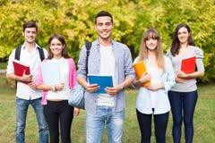 группа предпосылки над ся студентами белыми стоковое фото rf