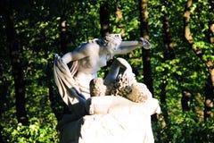 Группа скульптуры в саде лета стоковое фото rf