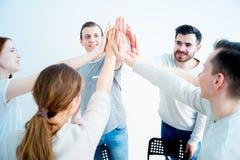 Группа людей давая максимум 5 Стоковая Фотография RF