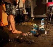 Группа MONA DE BO выполняет на сцене стоковые изображения