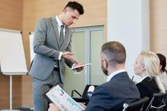 Групповая встреча в деловой компании Стоковые Фото